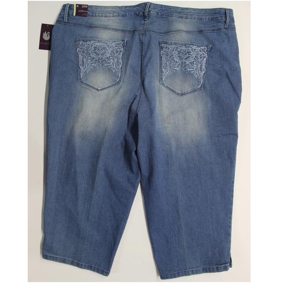 40c303c5222 Gloria Vanderbilt Jeans | Jordyn Capri Rimini 20w | Poshmark